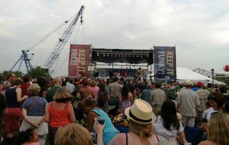 french essay on festivals Such events in the united states are held in milwaukee, minneapolis, new york  city, philadelphia, san francisco and seattle there are festivals of french.